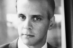 Alejandro Medina Mora blanco y negro