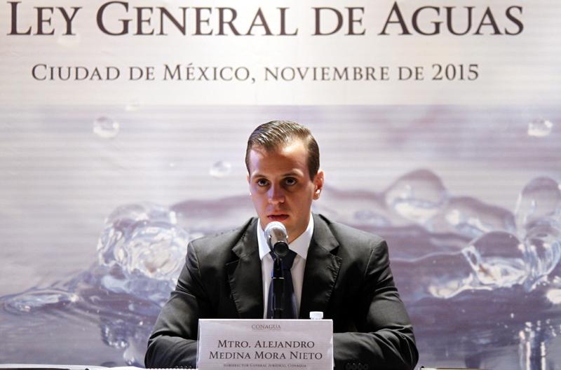 Alejandro Medina Mora agua