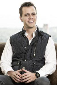 Alejandro Medina Mora sonrisa